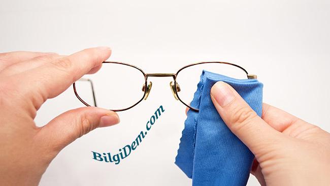 Gözlük Camı Nasıl Temizlenmelidir?